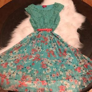 Pinky Teal and Pink Floral Dress Lace Size 14